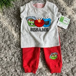 Seasame Street coordinating outfit size 6/9mo NWT